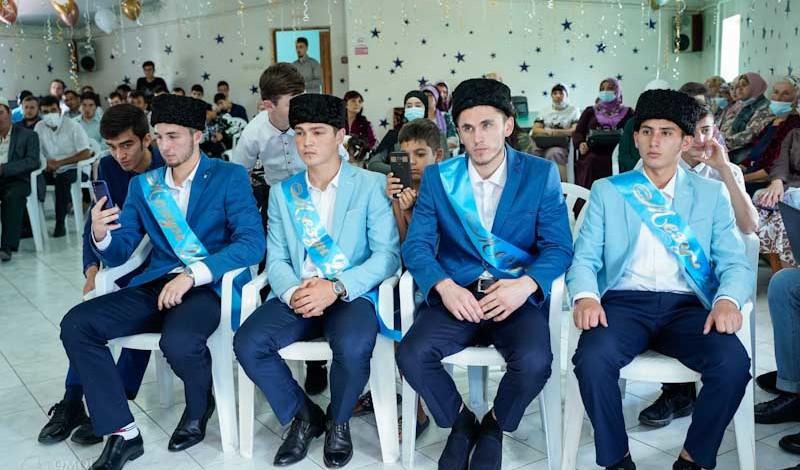 В Крыму вручили дипломы выпускникам Азовского медресе исламских наук (ФОТО)